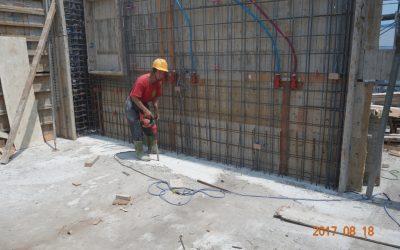 牆筋綁紮完成及封模前牆底清潔